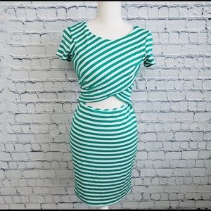 NWT Mid section cut out short sleeved dress